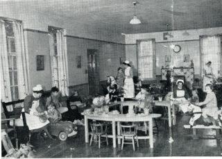 Children's ward, c1950s | HALS: HM2/Pr/3