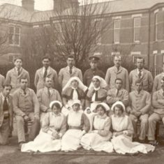 Patients and staff at Napsbury 1917