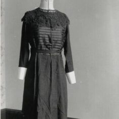 early nurse's uniform